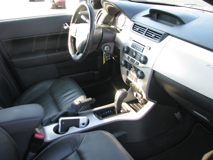 2009 Ford Focus SES Sedan 20